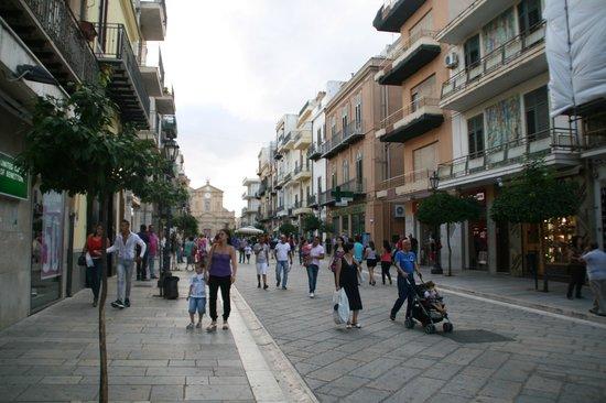 Bagheria, Italia: The Corso Umberto I