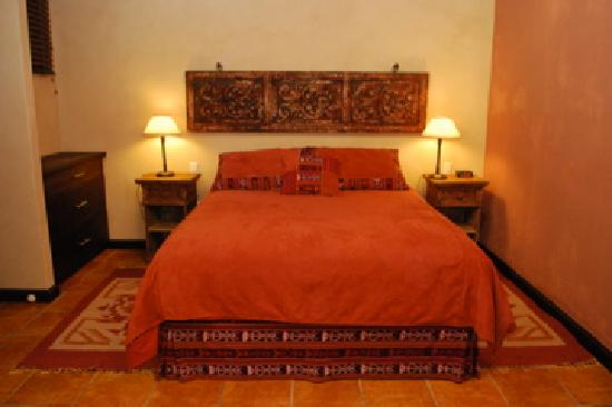 All Suite El Marques de Antigua: Bedroom, Queen size bed (Serta Brand), Suite Dona Beatriz