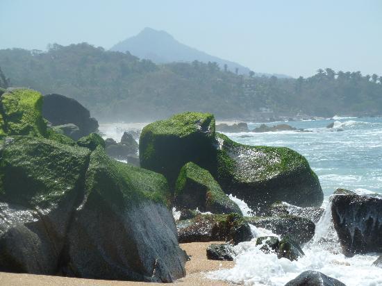 playa escondida beach to the south