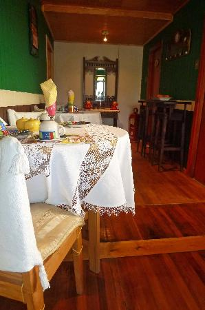 Hostal de los Castillos: breakfast area