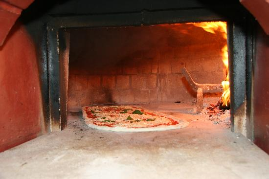 Made In Italy: Wood Oven Pizza - Home Made