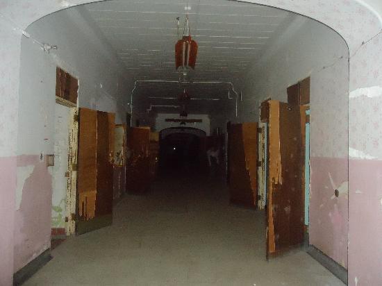 Trans-Allegheny Lunatic Asylum: TALA hallway