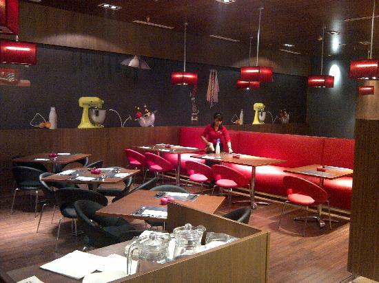 Ibis Bandung Trans Studio: Restaurant Oopen