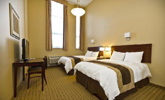 Pointe Plaza Hotel: Bedroom