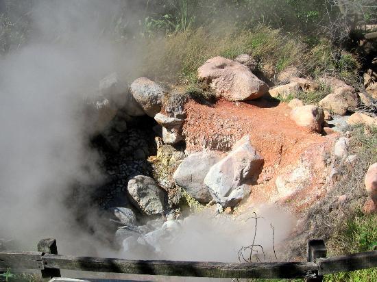 Allegro Papagayo: Mini volcan à Rincon de la vieja