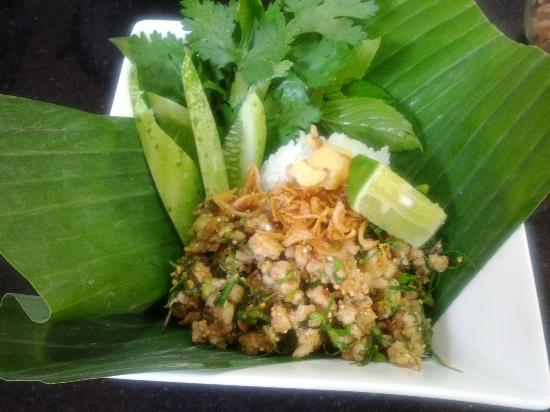 Khao San Cooking School: Larb (Pork/Beef Salad with Toasted Rice)