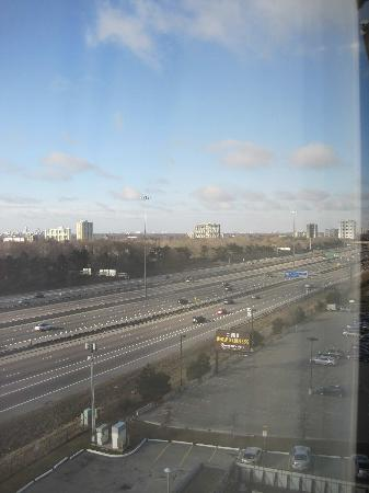 Radisson Hotel Toronto East: view of 401 from the room (too close)