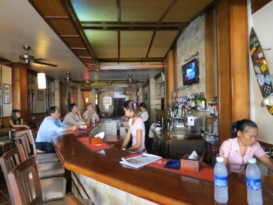 Sundance Riverside Hotel : Nice publike atmosphere with friendly staff