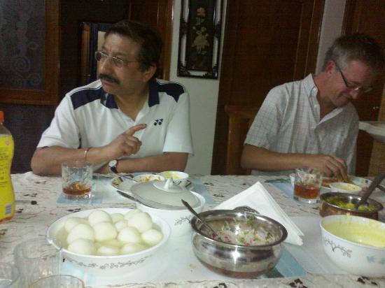All Seasons Homestay Jaipur: Food at the All Seasons