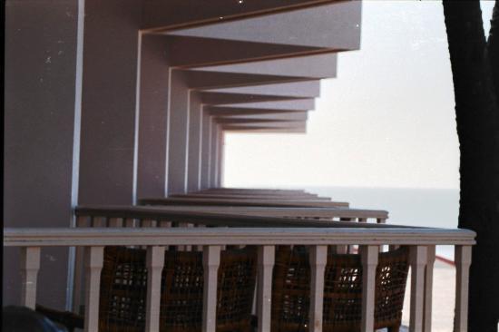 Sugati Beach Resort: Balconies