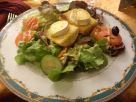 Restaurant de l'Auberge de Cucugnan : Salade de chèvre chaud