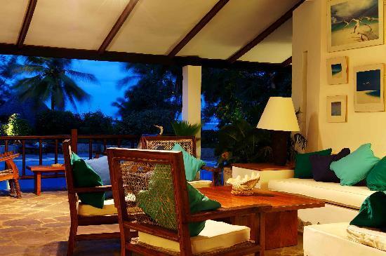 Flamboyant: Lounge