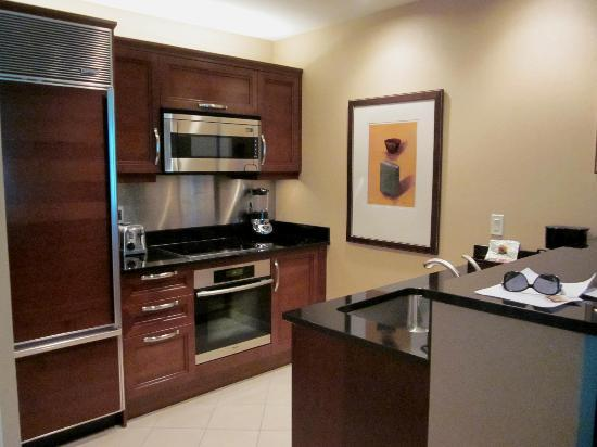 Kitchen - 1 bedroom suite - Picture of Signature at MGM Grand, Las ...