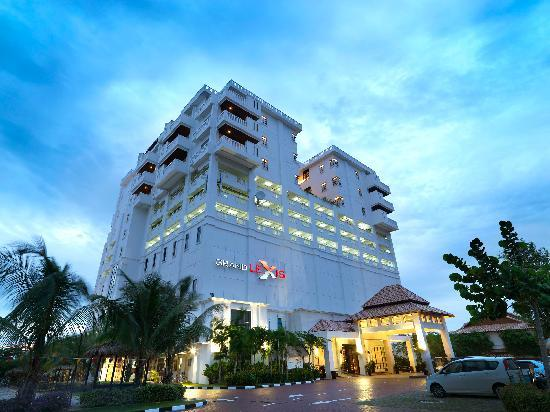 Grand Lexis Port Dickson: Fascade 1