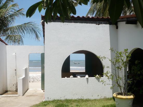 Pousada Chez Roni: vue sur la plage
