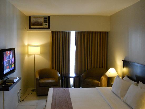 Goldland Millenia Suites: Bedroom Standard Queen Bed