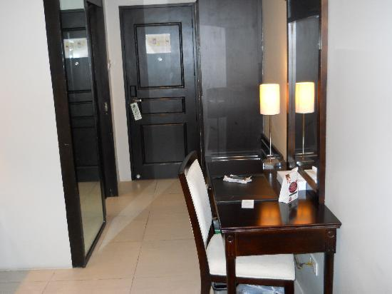 Goldland Millenia Suites: The Entry Into My Room