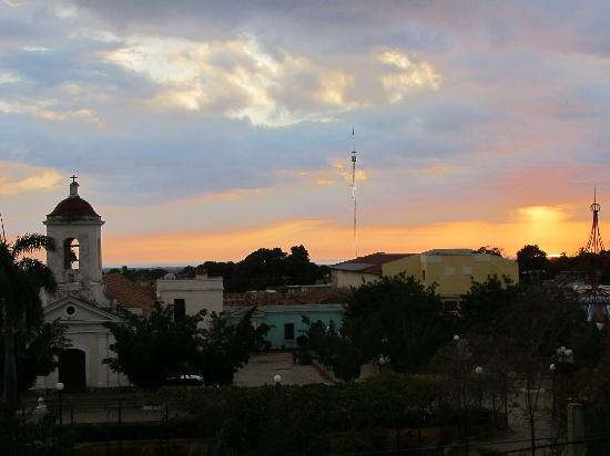 IBEROSTAR Grand Hotel Trinidad: sunset over the square
