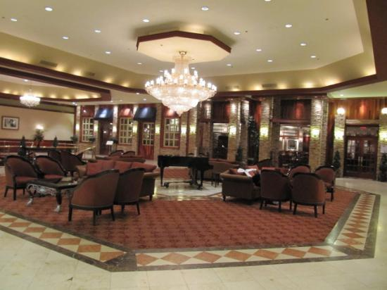 Crowne Plaza Hotel Philadelphia Cherry Hill First Floor Lobby At The