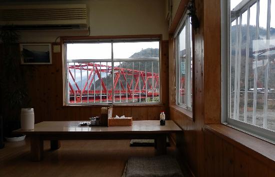 Iwakishokudo: 食堂からの眺めがいいです
