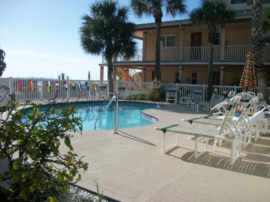 Schooner Hotel Upgraded Pool Area