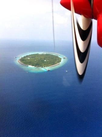 Dusit Thani Maldives: Maldives - Air Taxi - Feb 2012 - Mudhdhoo Island - Dusit Thani