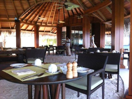 Dusit Thani Maldives: Dusit Thani - Sea Grill restaurant - Feb 2012