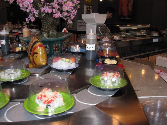 Sushi Sakura: sushi Train--food