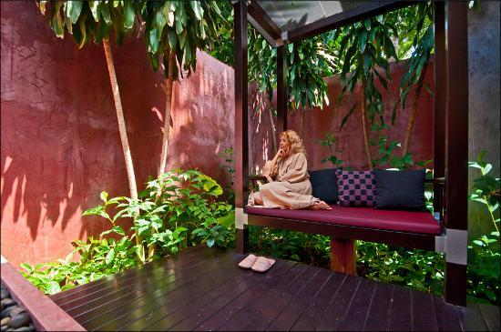 Anantara Spa: The garden outside the treatment room