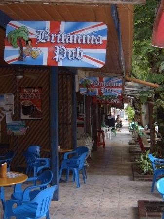 Britannia Pub & Grill: Entrance to Britannia in Sosua