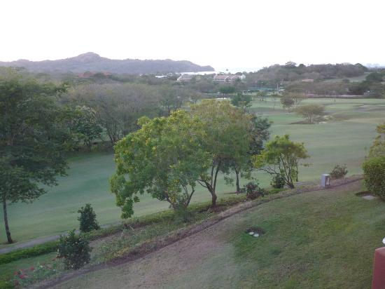 Reserva Conchal Beach Resort, Golf & Spa: Vista al golf