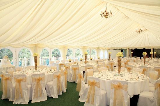 Hatton Court Hotel: Perfect Wedding Venue