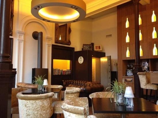 Suite Hotel Pincoffs: Hotel bar