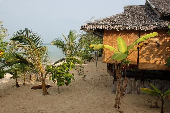 Shambhala Bungalow Village: Beachfront