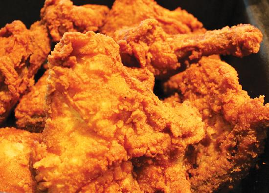 Miller's Smorgasbord : Delicious fried chicken!
