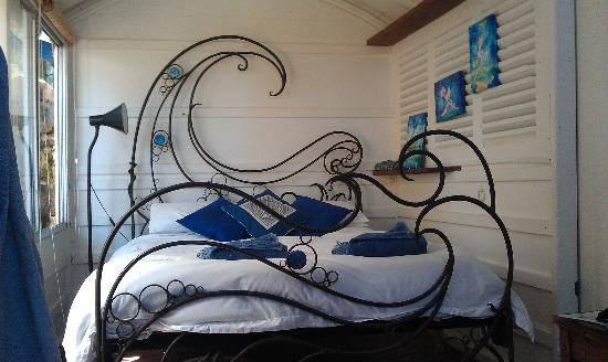 The Painted Fish : The bed!