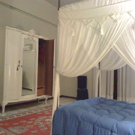 Camera da letto casa orioles foto di casa orioles for 5 piani casa mediterranea camera da letto