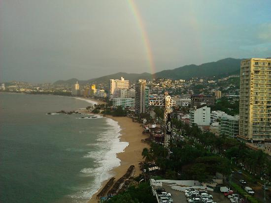Fiesta Americana Villas Acapulco: Vista al mar arcoiris incluido