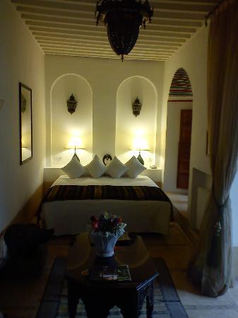 Angsana Riads Collection Morocco - Riad Si Said: une partie de la chambre,toujours bien soignée.