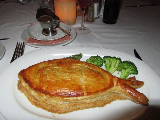 La Dolce Vita centro: Boquinete 'Dolce Vita' snapper puff pastry, served w/ lobster sauce