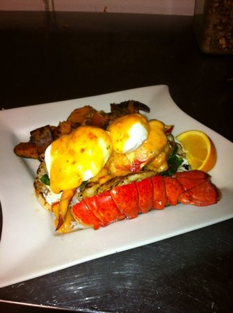 Village Cafe and Bistro: Known for the amazing breakfasts, mimosas, lively dining room and friendly staff!!
