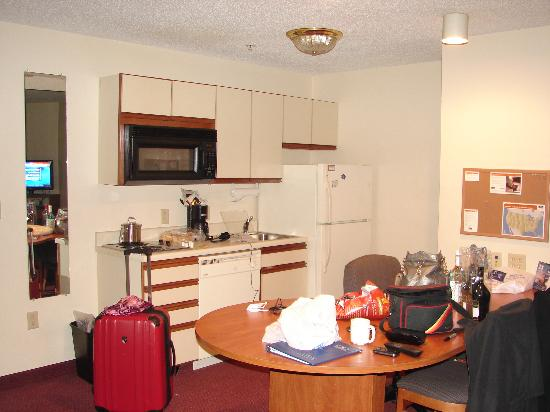 Candlewood Suites Syracuse Airport: My mess,not their's