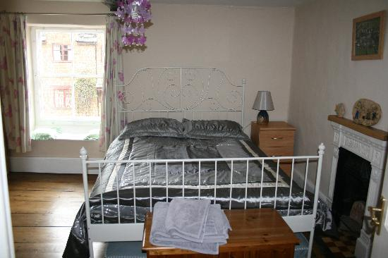 Kendal House: bedroom 1