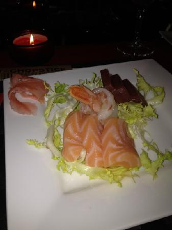 This is Not a Sushibar: sashimi small