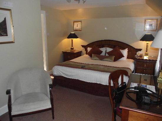 Aaron Lodge: Room 4, Massive bed