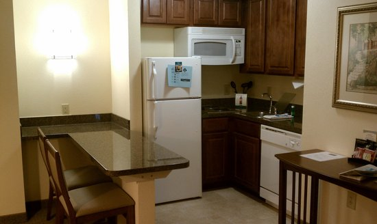 Staybridge Suites Greenville I-85 Woodruff Road: Kitchenette