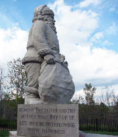 Nestled in the woods of the historic Santa Claus Park, the Santa Statue was unveiled on December