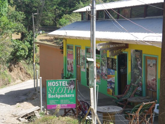 Hotel Sloth Backpackers Bed & Breakfast: here's what it looks like