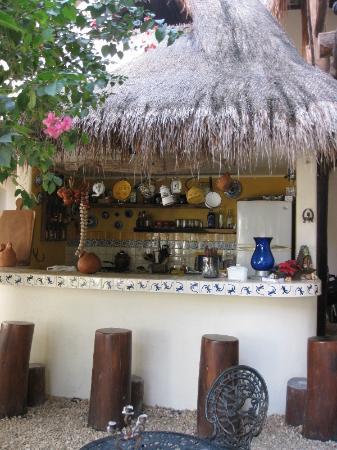 Lo Nuestro Petite Hotel: patio