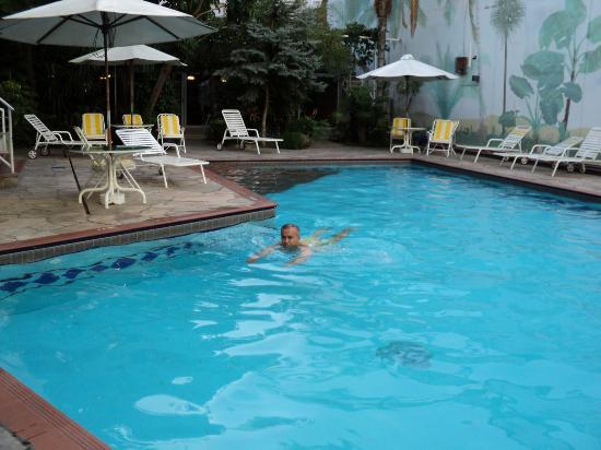هوتل نوتيبارا: piscina